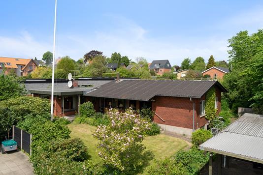Villa på Odinsvej i Viborg - Set fra vejen