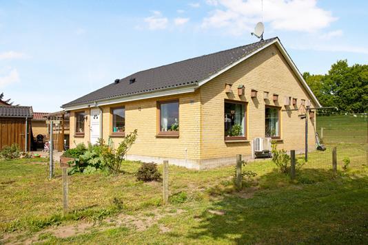 Villa på Friheden i Mørkøv - Ejendom 1