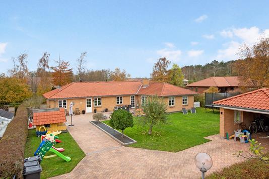 Villa på Kløvervej i Høng - Ejendommen